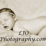LJO Photography-newborn-8974 b logo cho