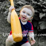 LJO-Photography-Hoyt-Farm-children-8295 b desat logo