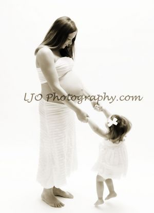 LJO-Photography-Long-Island-maternity-8396-b-cho-syr-logo1.jpg
